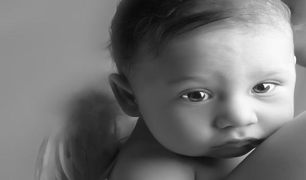 夢占い 赤ちゃん 抱っこ 女の子 妊娠中